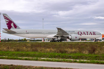 A7-BES - Qatar Airways Boeing 777-300ER