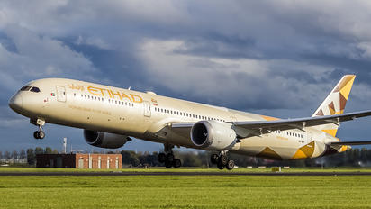 A6-BMF - Etihad Airways Boeing 787-10 Dreamliner