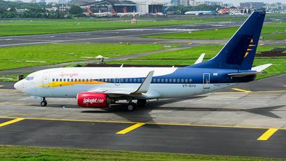 VT-SYU - SpiceJet Boeing 737-700