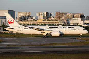 JA848J - JAL - Japan Airlines Boeing 787-8 Dreamliner
