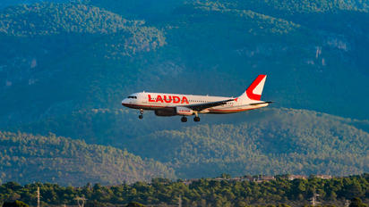 OE-LMG - LaudaMotion Airbus A320