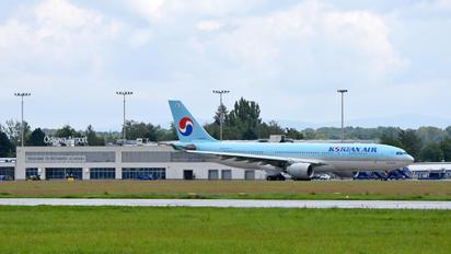HL8228 - Korean Air Airbus A330-300