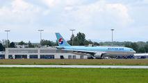 Korean Air HL8228 image