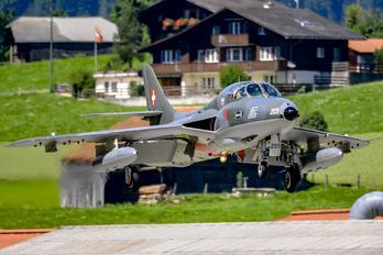 HB-RVP - FFA Museum Hawker Hunter T.68