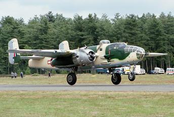 F-AZID - Private North American B-25J Mitchell