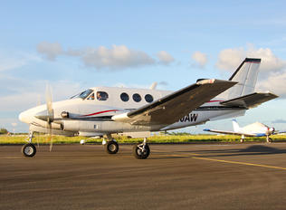 N90AW - Private Beechcraft 90 King Air