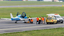 Tire's explosion during Cirrus SR-22 landing at Poznań Airport title=