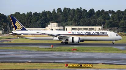 9V-SCN - Singapore Airlines Boeing 787-10 Dreamliner