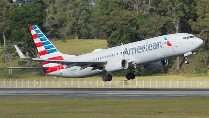 N833NN - American Airlines Boeing 737-800