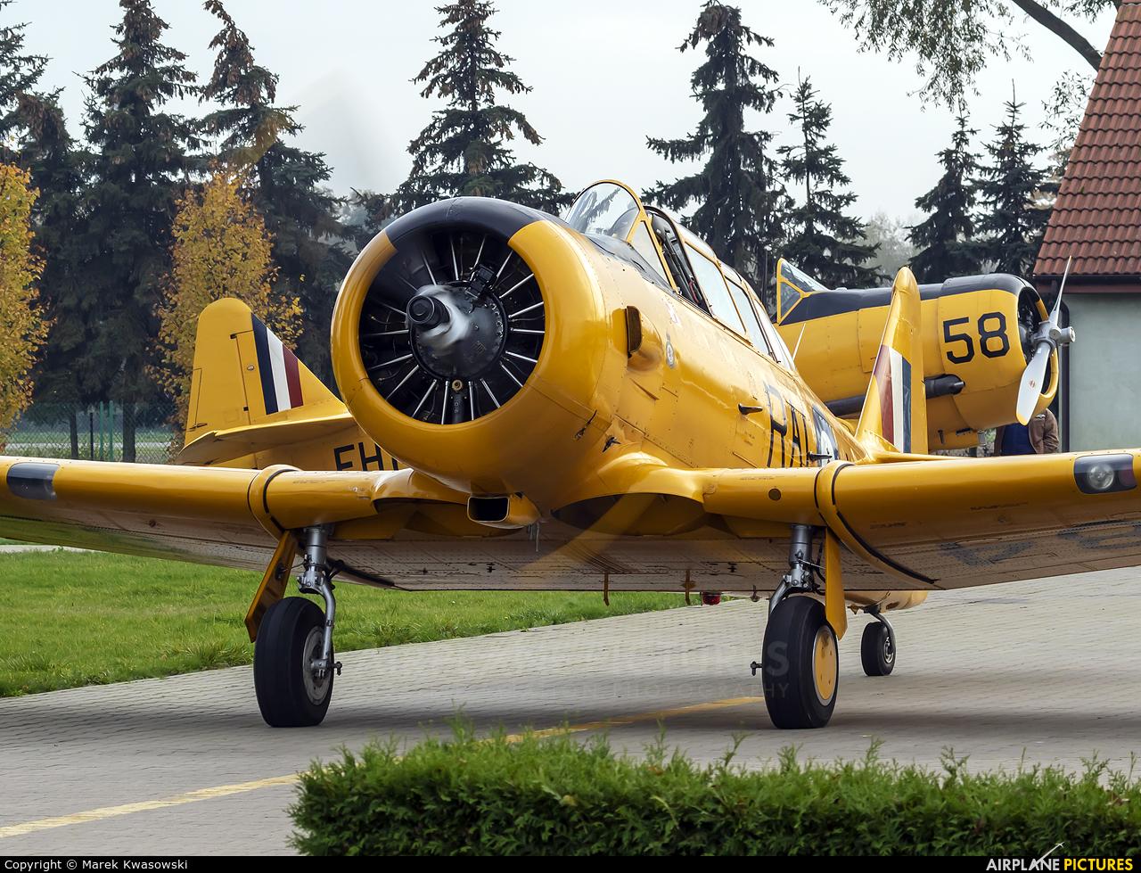 Private SP-YIX aircraft at Konstancin-Jeziorna