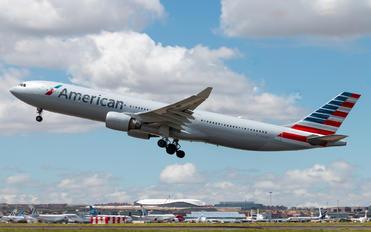 N276AY - American Airlines Airbus A330-300