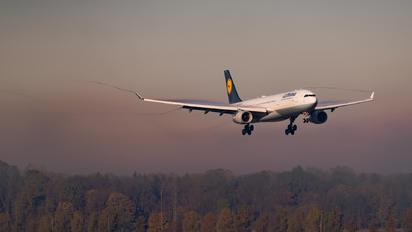 D-AIKA - Lufthansa Airbus A330-300
