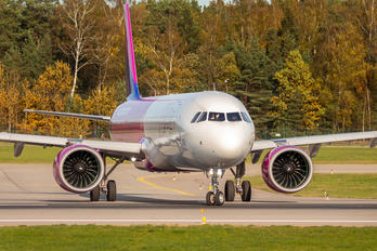 HA-LVH - Wizz Air Airbus A321 NEO