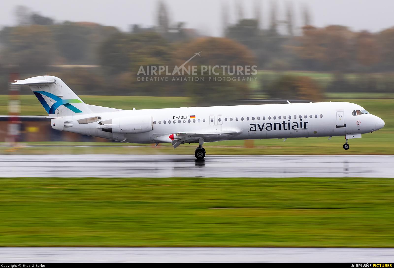 AvantiAir D-AOLH aircraft at Manchester