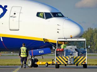 SP-RSX - Ryanair Sun Boeing 737-800