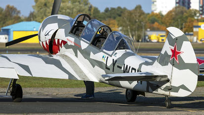 LY-WOW - Private Yakovlev Yak-52TW