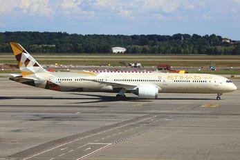 A6-BME - Etihad Airways Boeing 787-10 Dreamliner