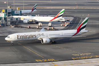 A6-EGS - Emirates Airlines Boeing 777-300ER