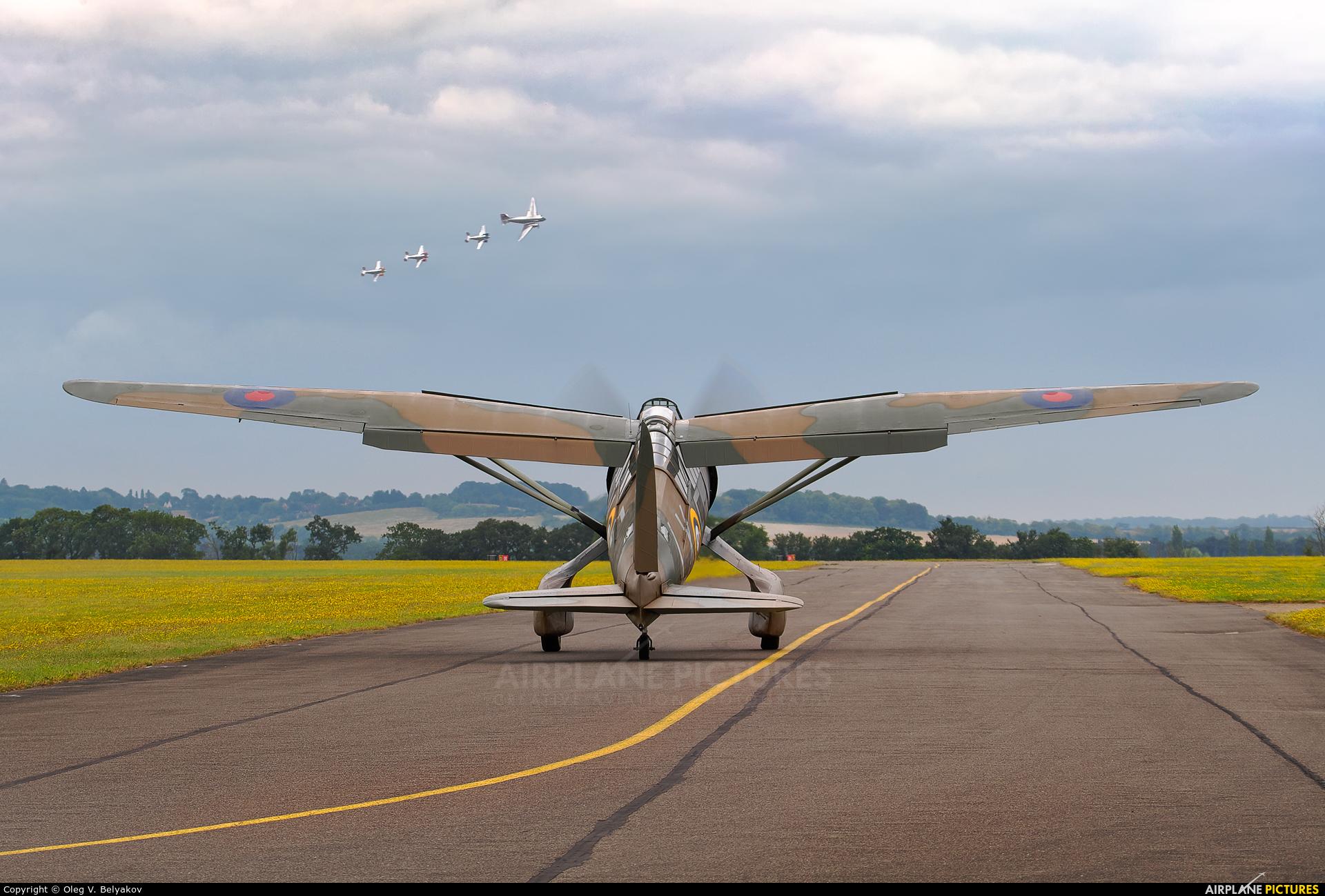 Private G-CCOM aircraft at Duxford
