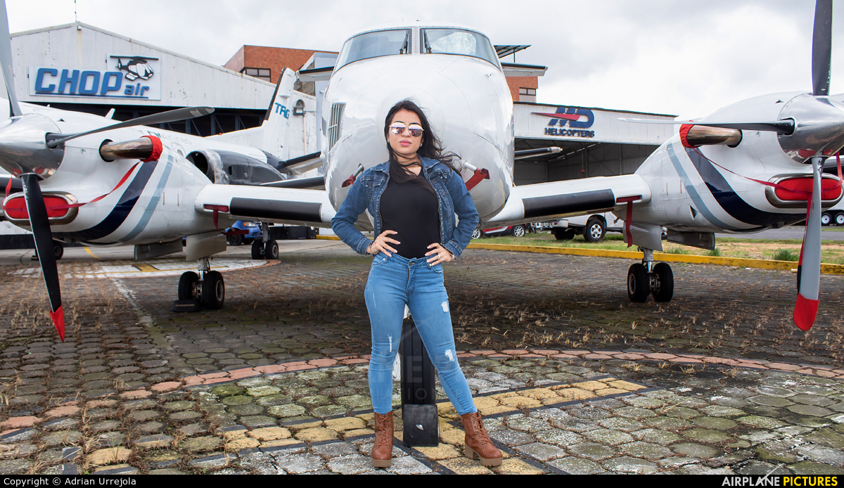 - Aviation Glamour TG-INS aircraft at Guatemala - La Aurora