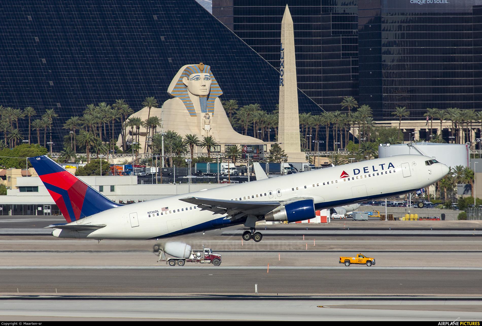 Delta Air Lines N136DL aircraft at Las Vegas - McCarran Intl
