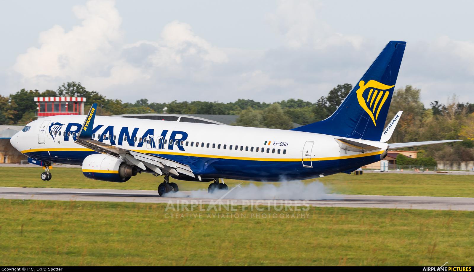 Ryanair EI-DHD aircraft at Pardubice