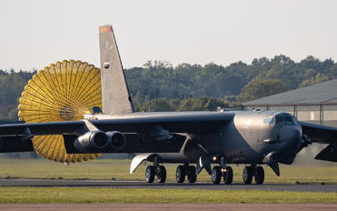 60-0007 - USA - Air Force Boeing B-52H Stratofortress