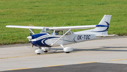 OK-TOC - Private Cessna 172 Skyhawk (all models except RG)