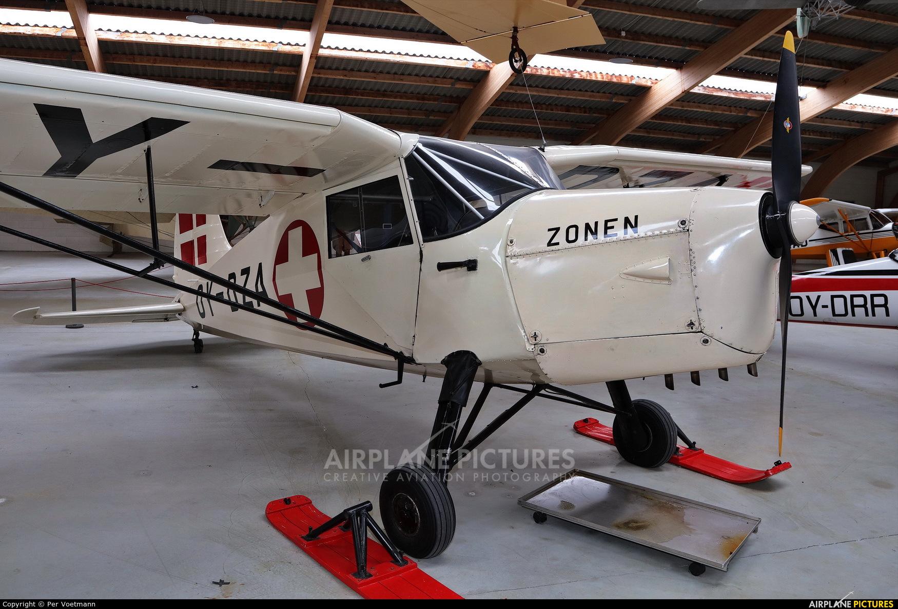 Private OY-DZA aircraft at Stauning