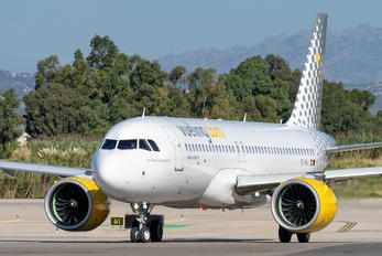 EC-NIJ - Vueling Airlines Airbus A320 NEO
