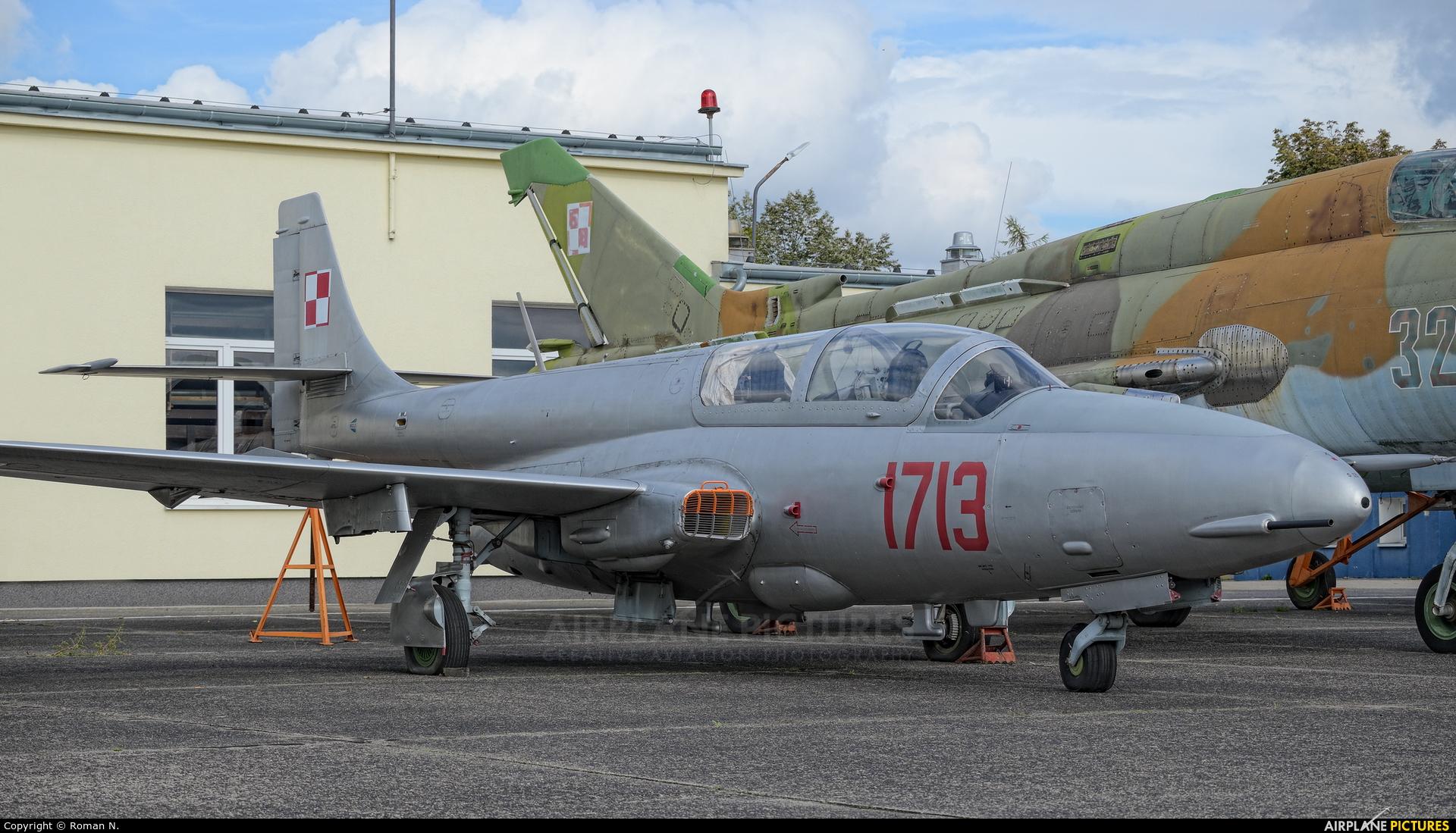 Poland - Air Force 1713 aircraft at Bydgoszcz - Szwederowo