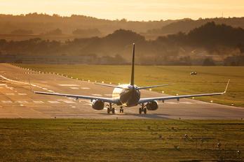 SP-RSI - Ryanair Sun Boeing 737-8AS