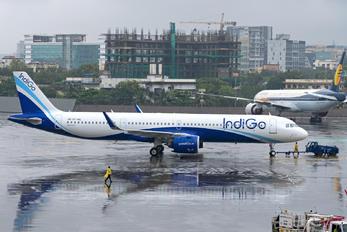 VT-IUL - IndiGo Airbus A321 NEO