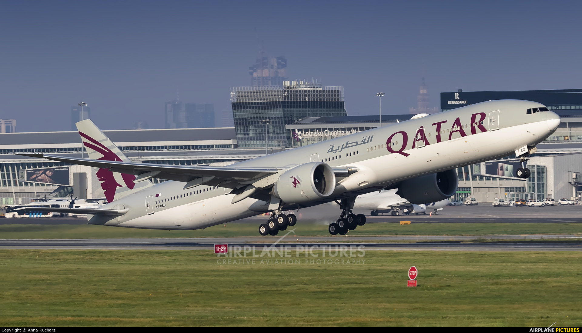 Qatar Airways A7-BEO aircraft at Warsaw - Frederic Chopin