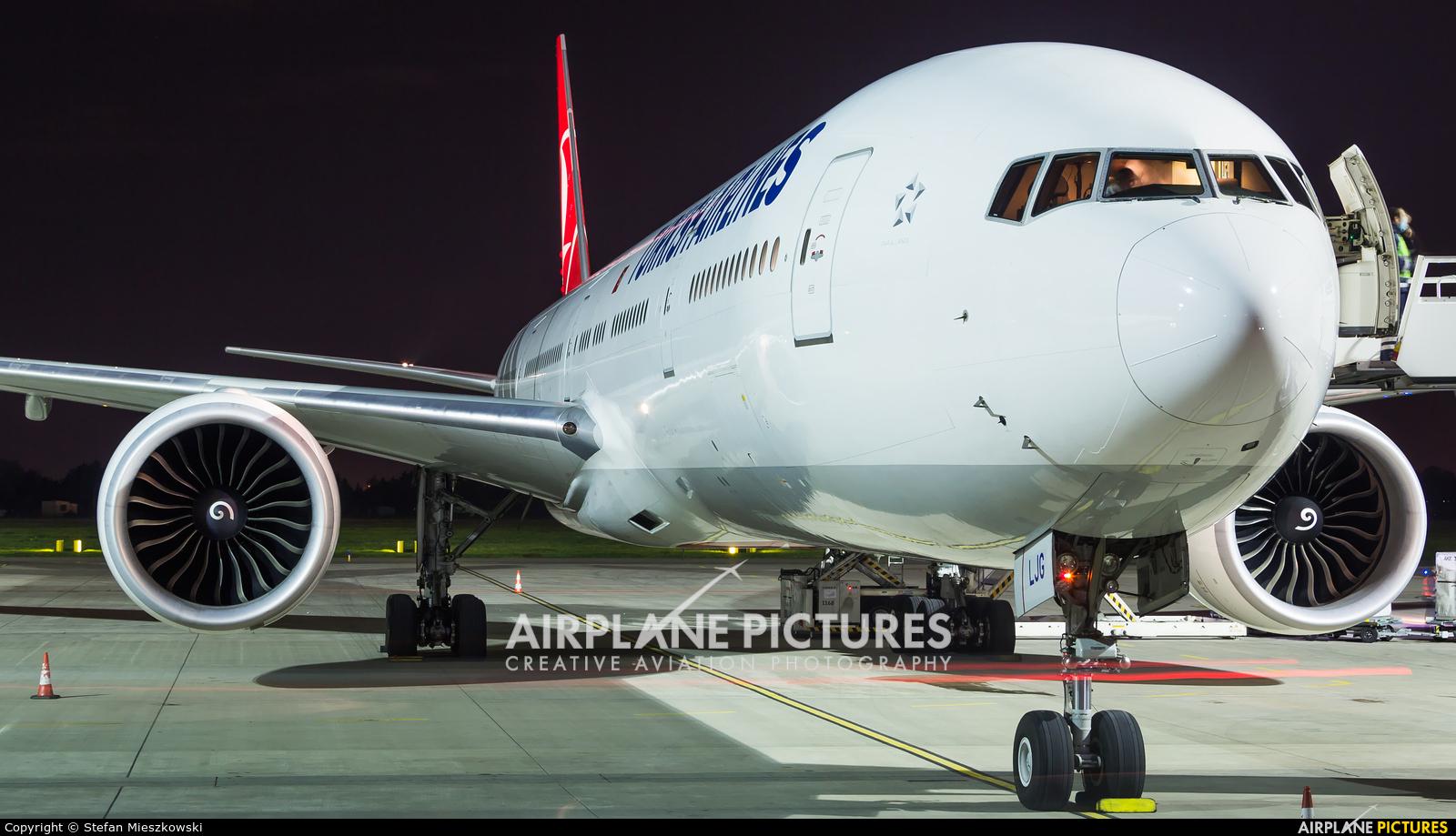 Turkish Airlines TC-LJG aircraft at Warsaw - Frederic Chopin