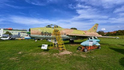5530 - Czechoslovak - Air Force Sukhoi Su-7BM