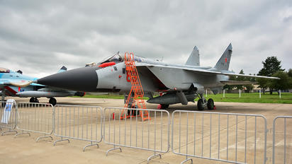 RF-95200 - Russia - Air Force Mikoyan-Gurevich MiG-31 (all models)