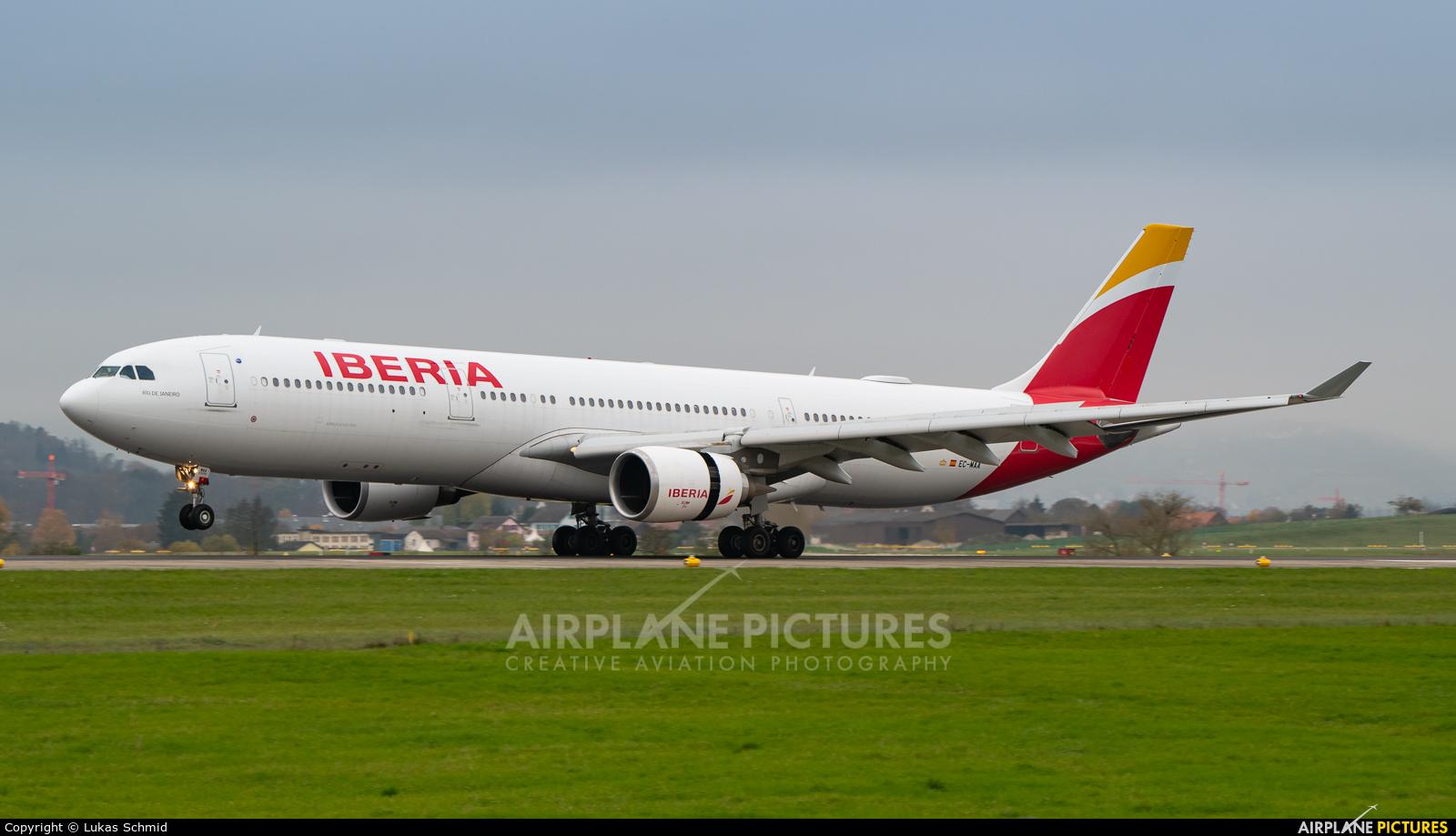 Iberia EC-MAA aircraft at Zurich