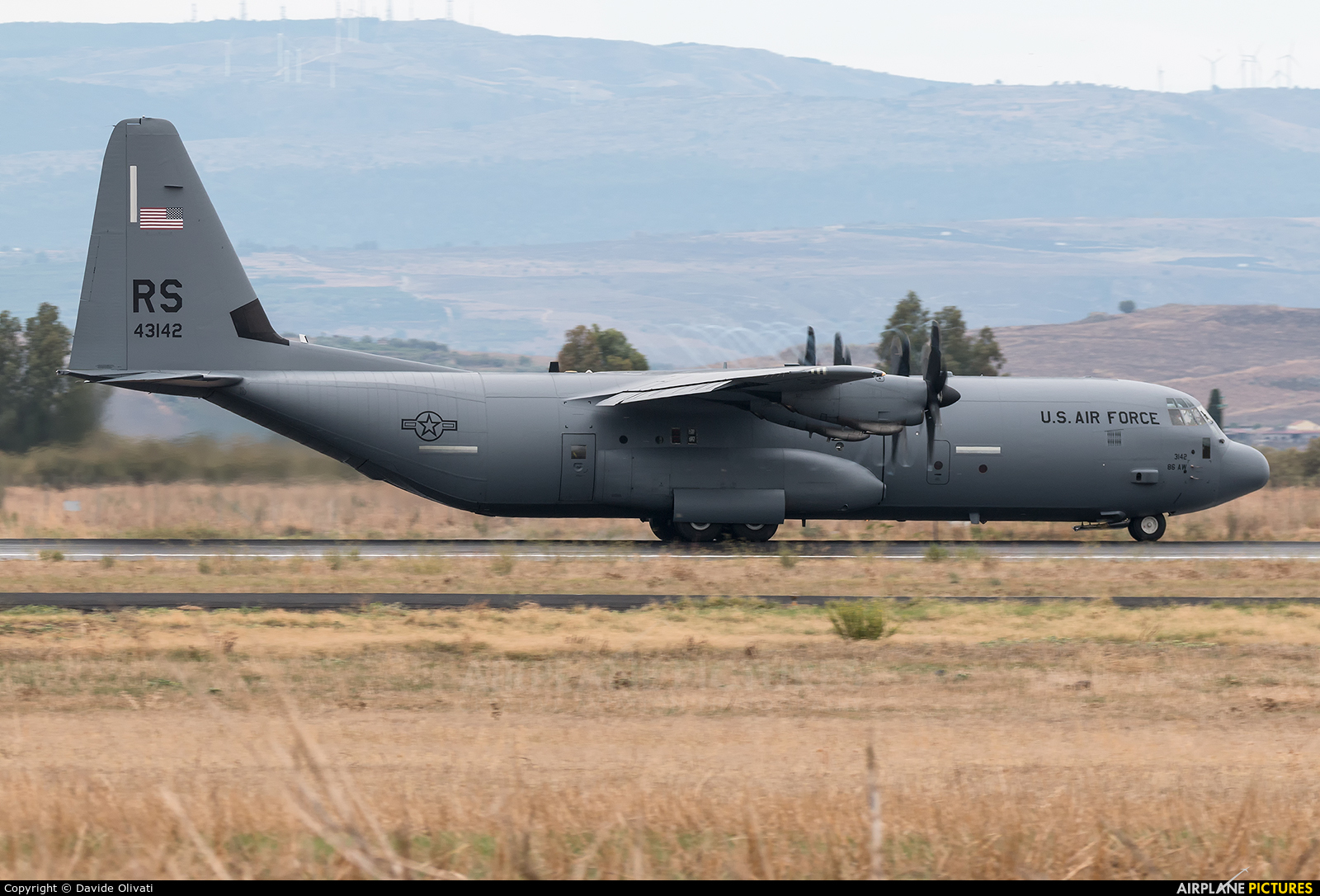 USA - Air Force 04-3142 aircraft at Sigonella