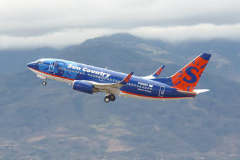 N850AM - Sun Country Airlines Boeing 737-700