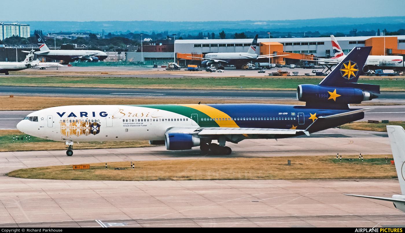 VARIG PP-VPP aircraft at London - Heathrow