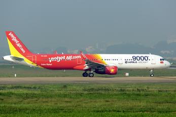 VN-A651 - VietJet Air Airbus A321