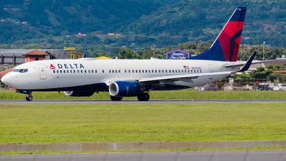 N3755D - Delta Air Lines Boeing 737-800