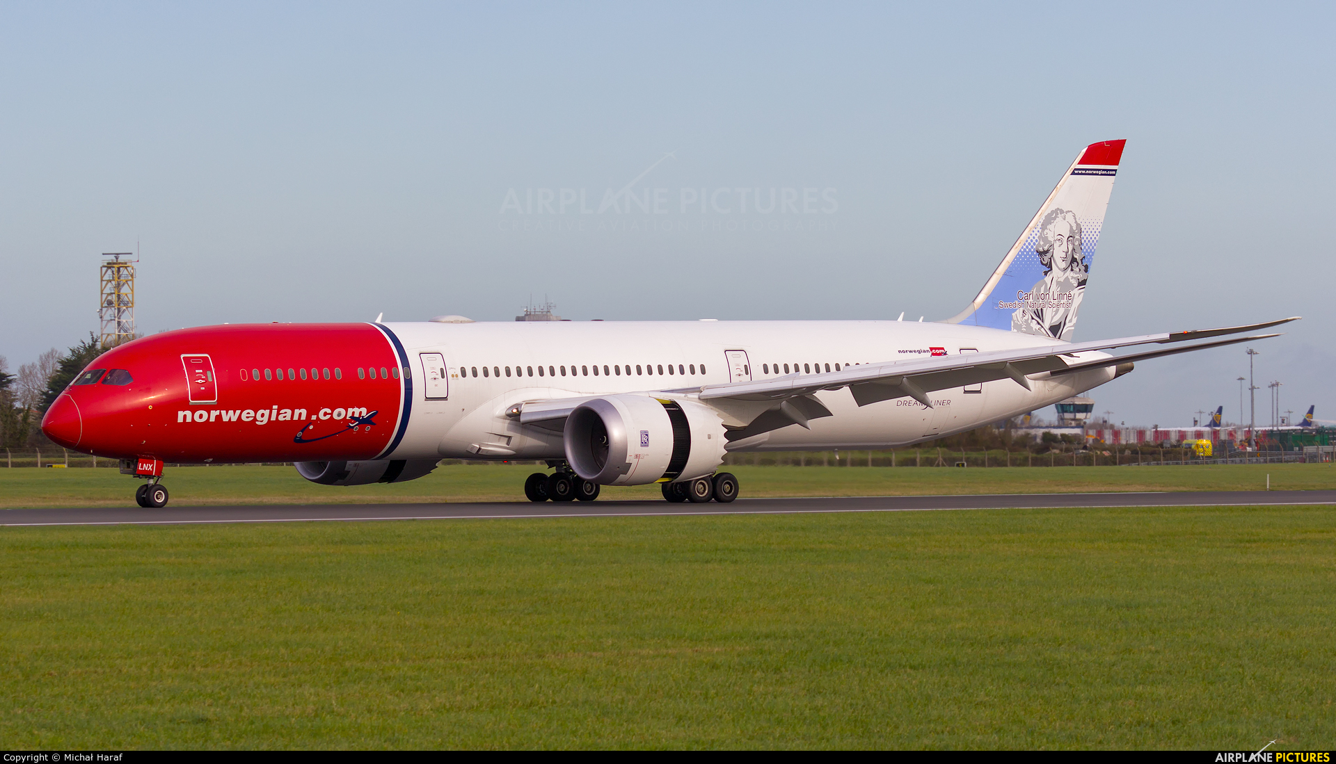 Norwegian Long Haul LN-LNX aircraft at Dublin