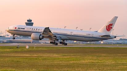 B-2038 - Air China Boeing 777-300ER
