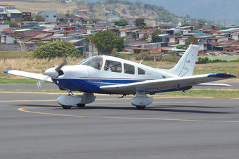 TI-BEW - Private Piper PA-28 Cherokee