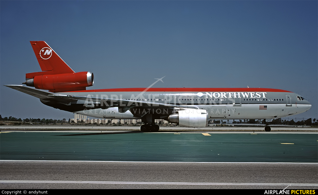 Northwest Airlines N145US aircraft at Los Angeles Intl