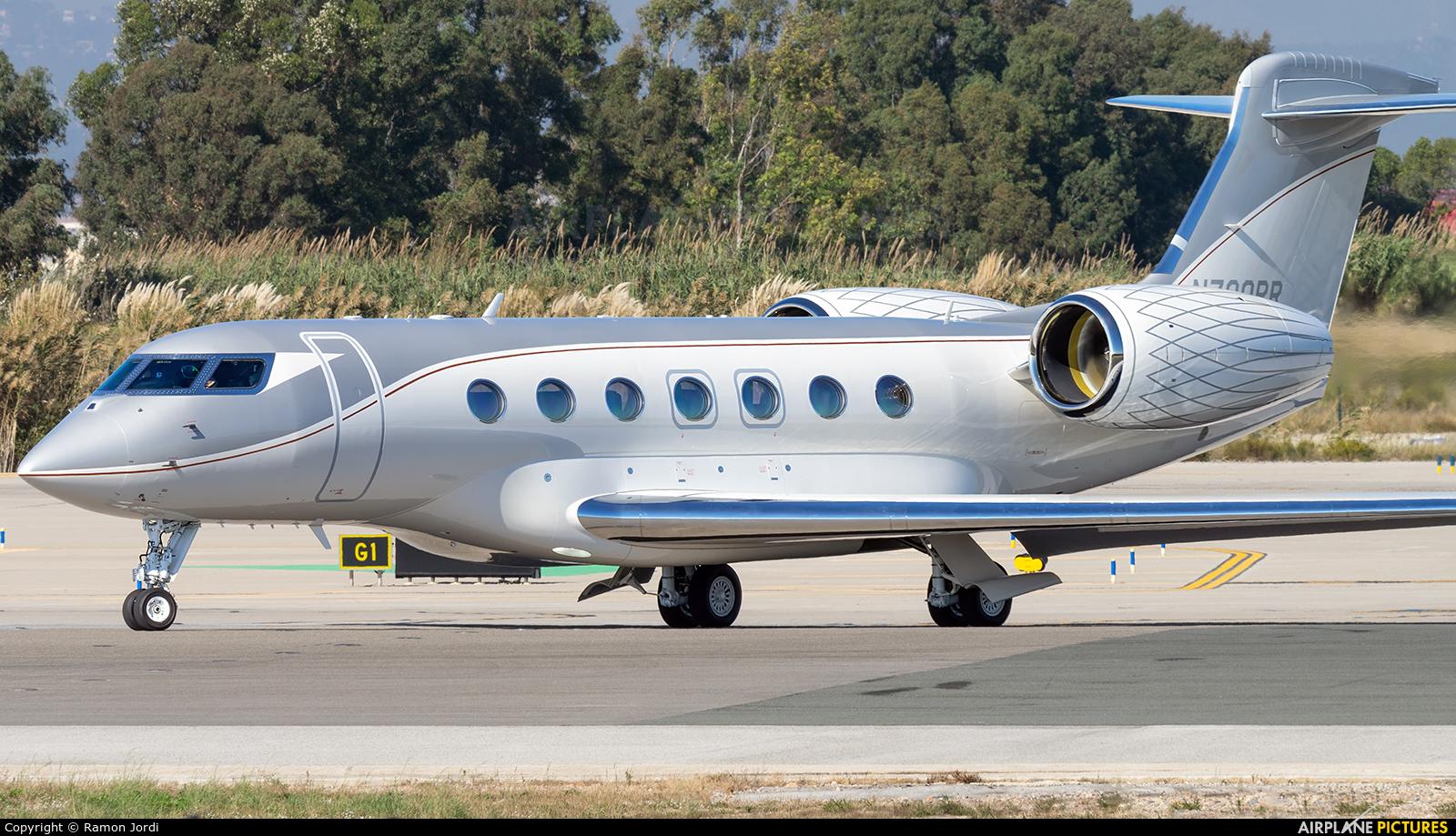 Private N700PR aircraft at Barcelona - El Prat