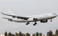 Rare visit of NATO Airbus A330MRTT to Seville title=