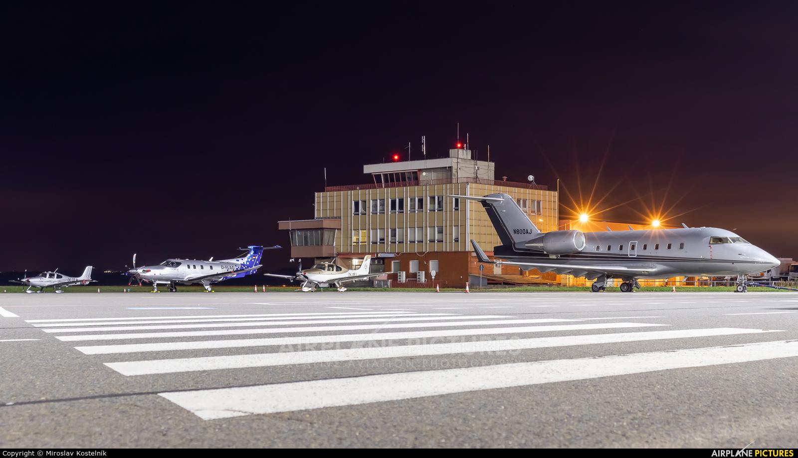 Private N800AJ aircraft at Ostrava Mošnov